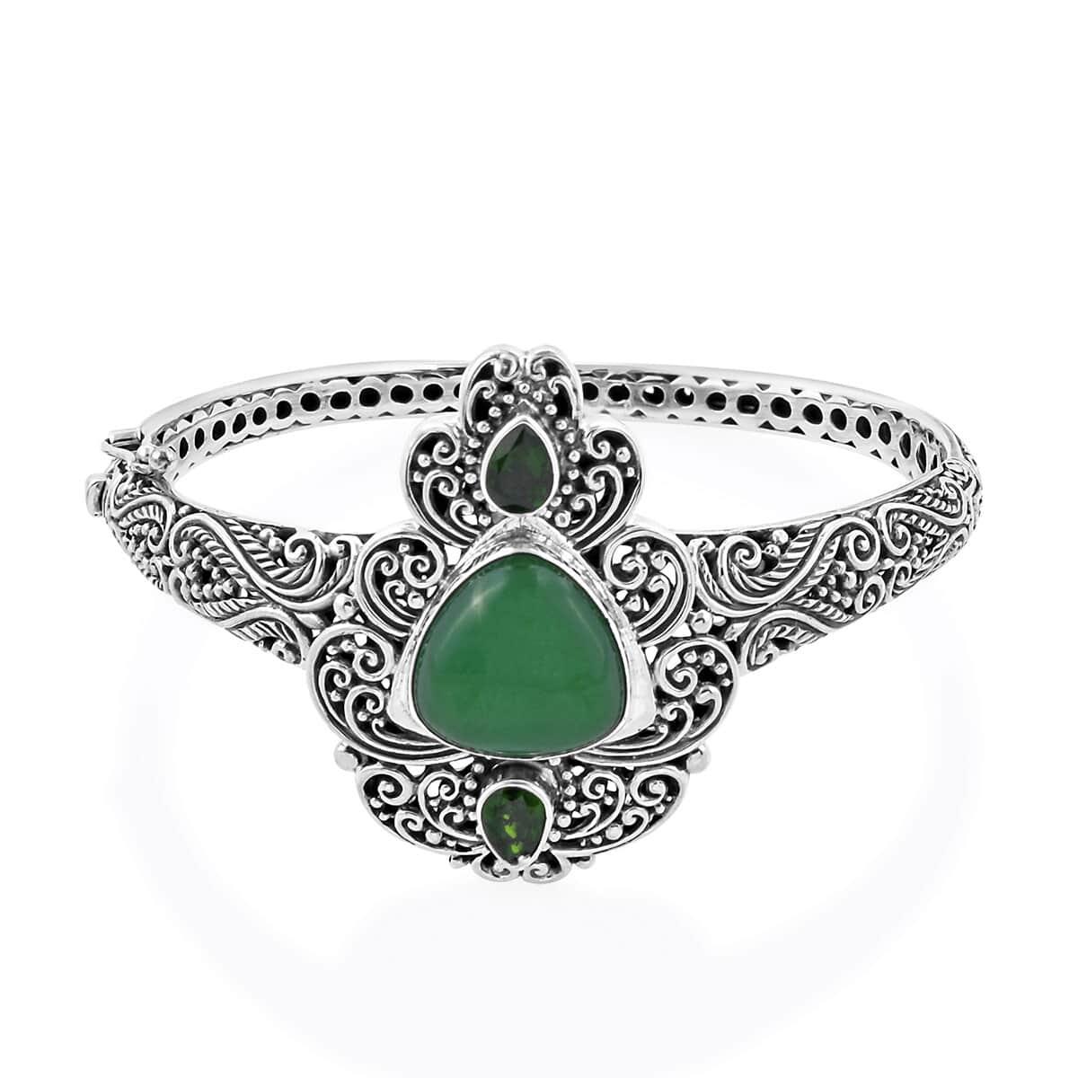Bali Legacy Burmese Green Jade, Russian Diopside Bangle Bracelet (7.50 in) in Sterling Silver 15.80 ctw