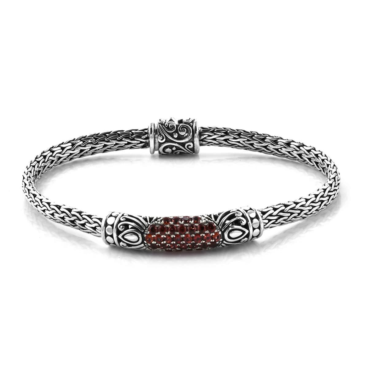 BALI LEGACY Mozambique Garnet Bracelet in Sterling Silver (7.50 In) (19.49 g) 1.41 ctw