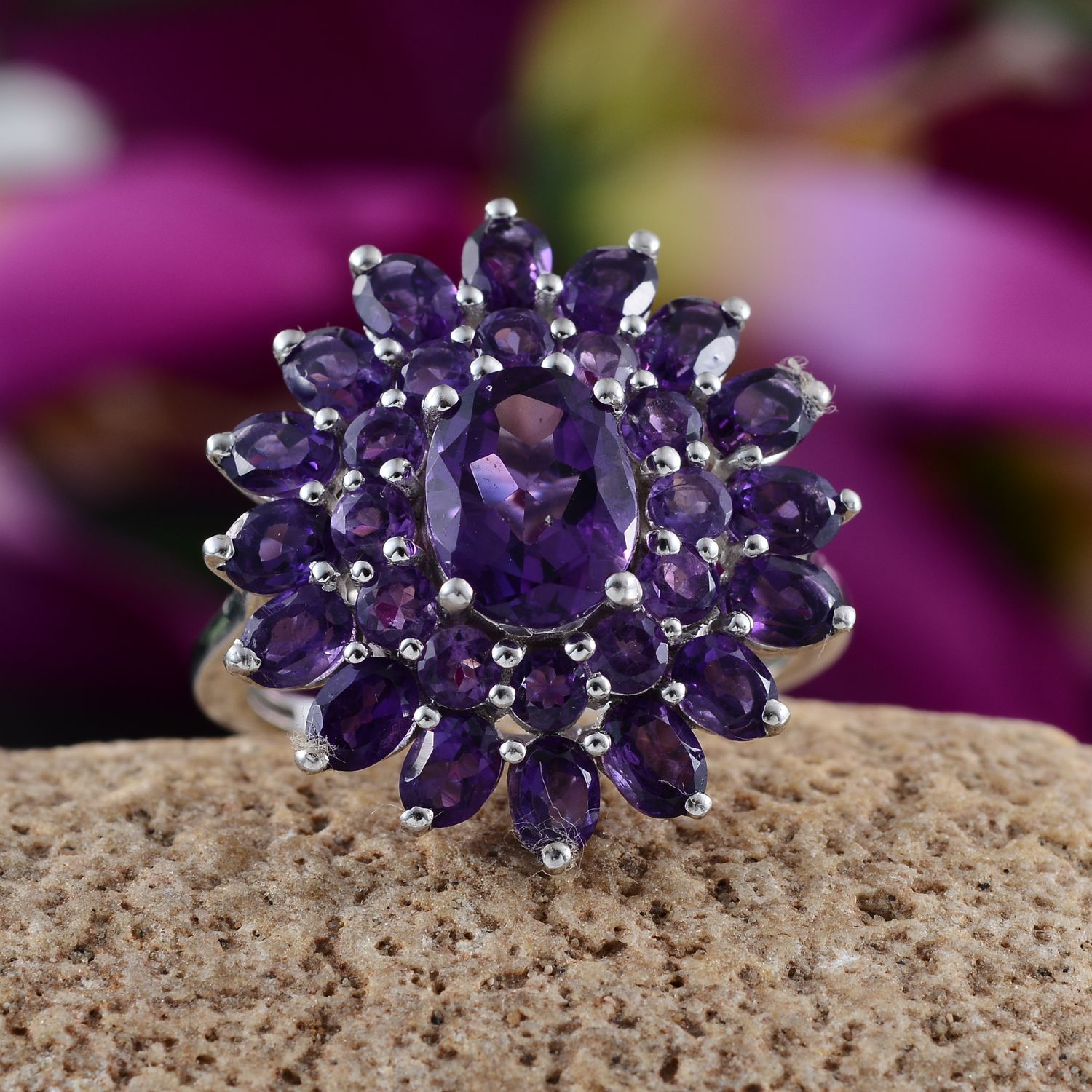 Uruguayan Amethyst Platinum Over Sterling Silver Ring (Size 7.0) TGW 5.600 cts.
