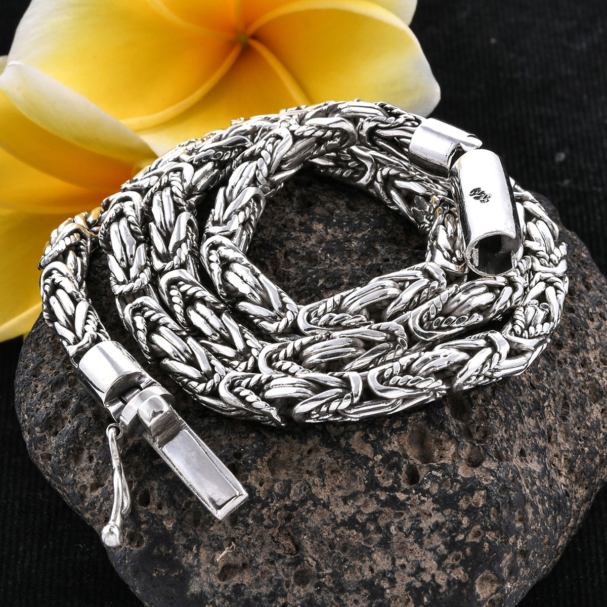 Bali Legacy Twisted Borobudur Necklace (20 in) in Sterling Silver (78.75 g)