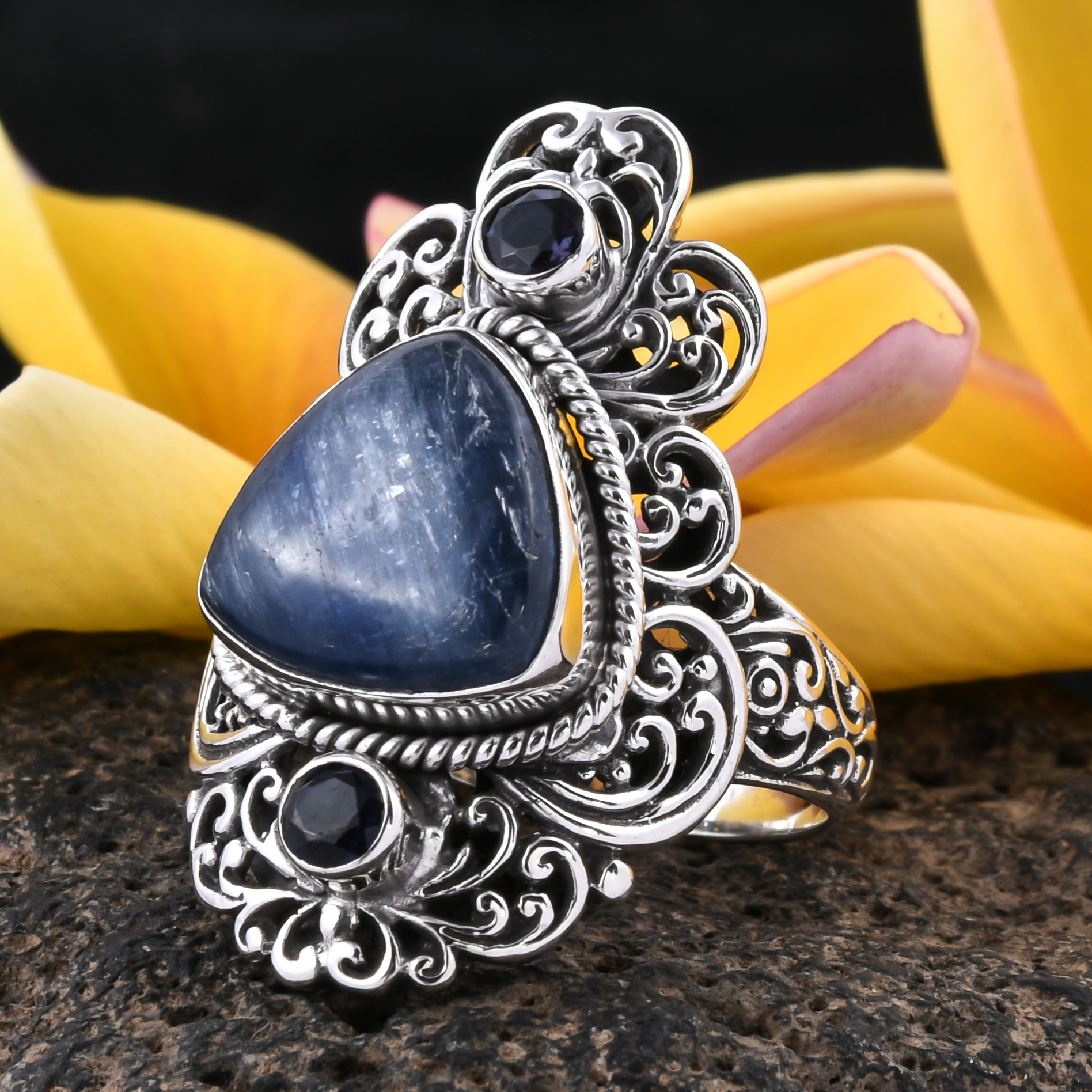 Bali Legacy Kyanite, Catalina Iolite Ring in Sterling Silver (Size 9.0) 9.62 ctw