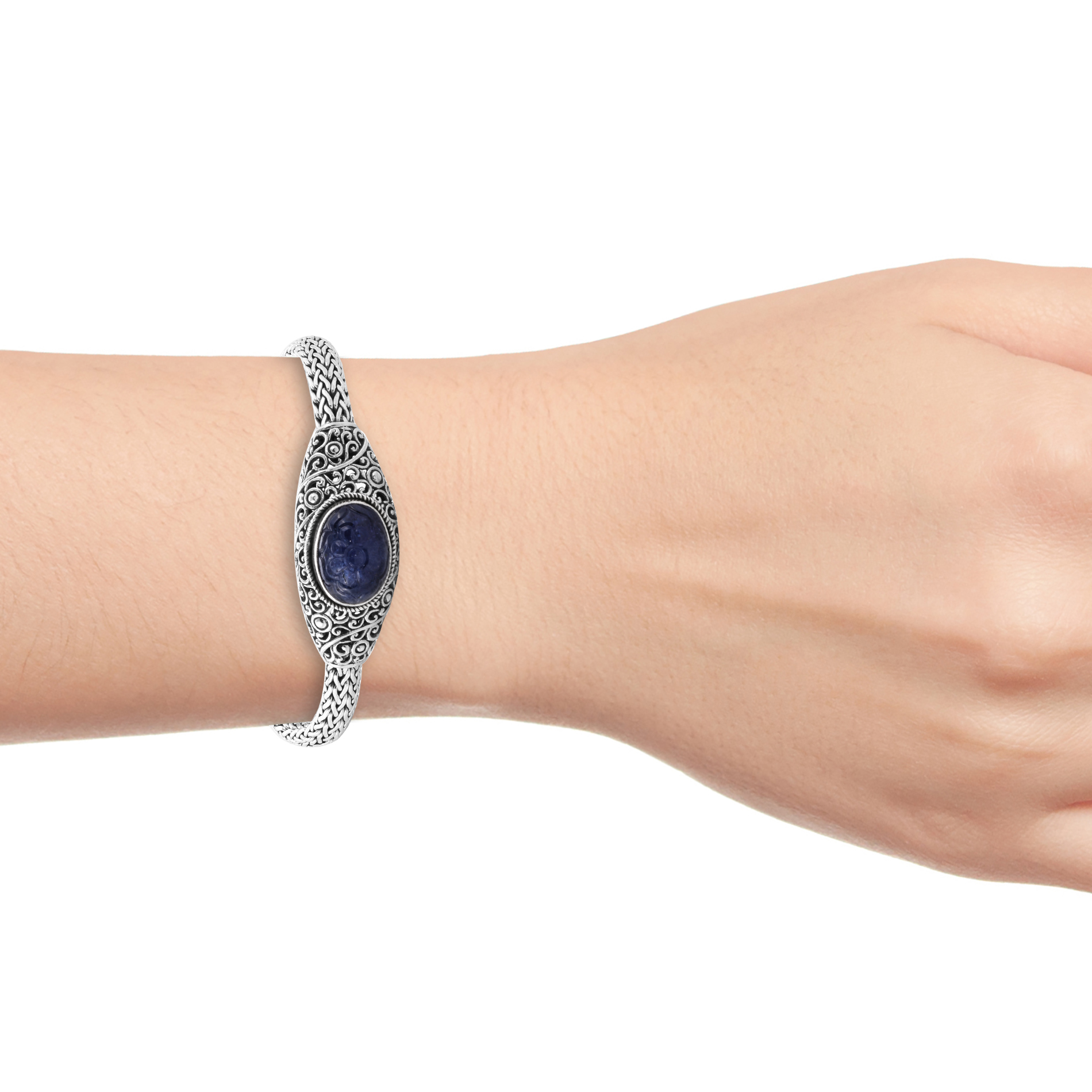 BALI LEGACY Tanzanite Carved Bracelet in Sterling Silver (8.00 In) (48.22 g) 19.00 ctw