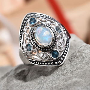Ethiopian Welo Opal, London Blue Topaz Ring in Platinum Over Sterling Silver (Size 8.0) 1.09 ctw